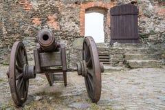 Παλαιό πυροβόλο στο Bolkow Castle Στοκ Φωτογραφίες