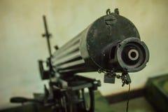 Παλαιό πυροβόλο όπλο Gatling, μια από την πιό γνωστή πρόωρη γρήγορος-πυρκαγιά συμπιεζόμενη δί ελατηρίου Το πυροβόλο όπλο Gatling  Στοκ Φωτογραφία