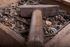Παλαιό σκουριασμένο hummer στοκ εικόνες με δικαίωμα ελεύθερης χρήσης