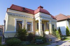 Παλαιό σπίτι από την πόλη Ramnicu Valcea στοκ εικόνα
