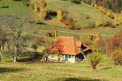 Παλαιό σπίτι στο ορεινό χωριό Στοκ εικόνες με δικαίωμα ελεύθερης χρήσης