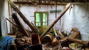 Παλαιό σπίτι damge στοκ εικόνα με δικαίωμα ελεύθερης χρήσης