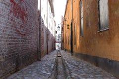 Παλαιό στενό strret Helsingor, Δανία στοκ εικόνες