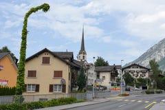 Παλαιό σύνολο λαμπτήρων οδών του κισσού στα ελβετικά όρη Στοκ Εικόνες