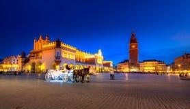 Παλαιό τετράγωνο πόλης αγοράς της Κρακοβίας, Πολωνία στοκ εικόνες