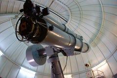 Παλαιό τηλεσκόπιο σε ένα παρατηρητήριο στοκ φωτογραφία με δικαίωμα ελεύθερης χρήσης
