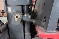 Παλαιό υδραυλικό σύστημα forklift του φορτηγού Στοκ φωτογραφίες με δικαίωμα ελεύθερης χρήσης