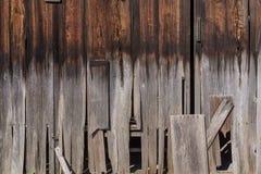 Παλαιό φυσικό παραδοσιακό ιαπωνικό κόκκινο ξύλο πεύκων με την αποσύνθεση και το PA στοκ εικόνες