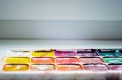 Παλαιό χρησιμοποιημένο χρώμα watercolor στοκ φωτογραφίες
