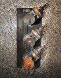 παλαιό ύδωρ αντλιών χαλκού Στοκ φωτογραφία με δικαίωμα ελεύθερης χρήσης