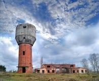 παλαιό ύδωρ πύργων καταστρ&om Στοκ Φωτογραφίες