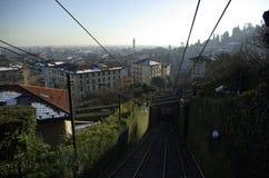 Παλαιό funicular κωμοπόλεων της πόλης Μπέργκαμο το χειμώνα στοκ φωτογραφία