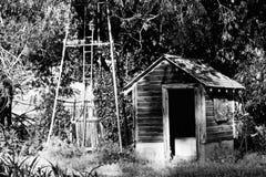 Παλαιό Pumphouse σε ένα αγρόκτημα στο Κολοράντο Στοκ Φωτογραφία