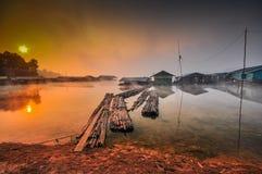 Παλαιό viallage στον ποταμό Στοκ εικόνες με δικαίωμα ελεύθερης χρήσης