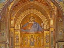 ΠΑΛΕΡΜΟ - 9 ΑΠΡΙΛΊΟΥ: Μωσαϊκά κύριο apse του καθεδρικού ναού Monreale Η εκκλησία είναι θαυμάσιο παράδειγμα της νορμανδικής αρχιτε Στοκ φωτογραφίες με δικαίωμα ελεύθερης χρήσης