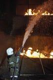 παλεύοντας πυροσβέστης  Στοκ Φωτογραφίες