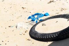 Παλιοπράγματα στην παραλία στοκ φωτογραφία με δικαίωμα ελεύθερης χρήσης
