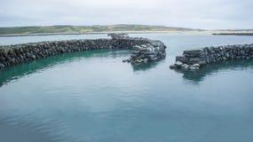 παλιρροιακό weir πετρών στοκ εικόνες με δικαίωμα ελεύθερης χρήσης