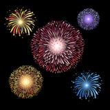Πανέμορφα φωτεινά διανυσματικά παραδείγματα των διαφορετικών πυροτεχνημάτων ελεύθερη απεικόνιση δικαιώματος