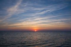 Πανέμορφα χρώματα θάλασσας και ουρανού στο σούρουπο, Sithonia, Χαλκιδική, Ελλάδα Στοκ Εικόνες