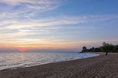 Πανέμορφα χρώματα θάλασσας και ουρανού στο σούρουπο, Sithonia, Χαλκιδική, Ελλάδα Στοκ φωτογραφία με δικαίωμα ελεύθερης χρήσης