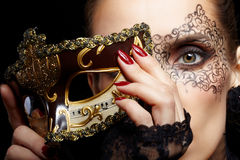 Πανέμορφη γυναίκα στη μάσκα Στοκ Φωτογραφία