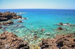 Πανέμορφος τυρκουάζ δύσκολος κόλπος σε Playa de San Juan Tenerife Στοκ εικόνα με δικαίωμα ελεύθερης χρήσης