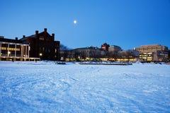 Πανεπιστήμιο του Ουισκόνσιν - που βλέπει από την παγωμένη λίμνη Mendota Στοκ Φωτογραφίες