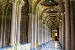Πανεπιστήμιο, Chernivtsi Αρχαίος σχηματισμένος αψίδα διάδρομος στοκ φωτογραφία με δικαίωμα ελεύθερης χρήσης