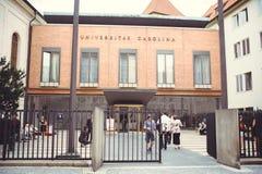 Πανεπιστημιακά λατινικά του Charles: Το Universitas Καρολίνα είναι παλαιότερο και μεγαλύτερο πανεπιστήμιο στη Δημοκρατία της Τσεχ στοκ φωτογραφία με δικαίωμα ελεύθερης χρήσης