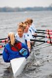 πανεπιστημιακές γυναίκε& Στοκ φωτογραφία με δικαίωμα ελεύθερης χρήσης