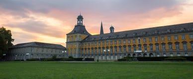 Πανεπιστημιακό κτήριο της Βόννης Γερμανία το βράδυ Στοκ Εικόνες