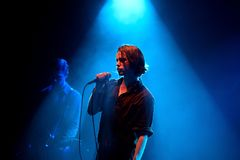 Πανκ ορχήστρα ροκ Iceage στη συναυλία στον ήχο 2015 Primavera σκηνών Apolo Στοκ Εικόνες