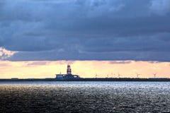 Πανοραμικές απόψεις της ακτής της πόλης Brownsville, ΗΠΑ στην ημέρα και το βράδυ στις κόκκινες ακτίνες του ηλιοβασιλέματος 20 Ιου στοκ εικόνες