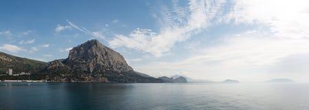 Πανοραμική άποψη από το ίχνος Golitsyn στην ακτή Μαύρης Θάλασσας στοκ εικόνα