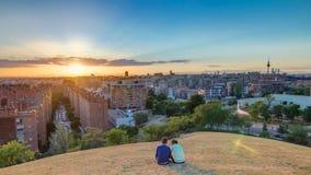 Πανοραμική άποψη ηλιοβασιλέματος timelapse της Μαδρίτης, Ισπανία Φωτογραφία που λαμβάνεται από τους λόφους του πάρκου Tio Pio, va απόθεμα βίντεο