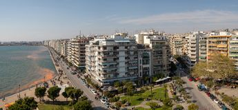 Πανοραμική άποψη Θεσσαλονίκης, η δεύτερη - μεγαλύτερη πόλη στην Ελλάδα στοκ εικόνα