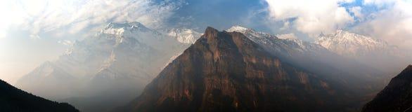 Πανοραμική άποψη πρωινού της σειράς Annapurna Στοκ Φωτογραφίες