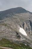Πανοραμική άποψη στην αιχμή Vihren με τα σκοτεινά σύννεφα, βουνό Pirin Στοκ φωτογραφία με δικαίωμα ελεύθερης χρήσης