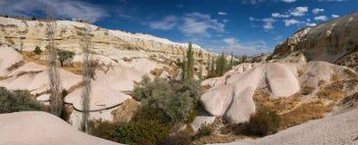 Πανοραμική άποψη στην όμορφη κοιλάδα σε Cappadocia Στοκ Φωτογραφία