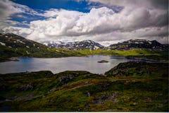 Πανοραμική άποψη στο οροπέδιο Hardangervidda και τη λίμνη Kjelavatn στη Νορβηγία Στοκ Εικόνες