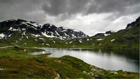 Πανοραμική άποψη στο οροπέδιο Hardangervidda και τη λίμνη Votna στη Νορβηγία Στοκ φωτογραφία με δικαίωμα ελεύθερης χρήσης
