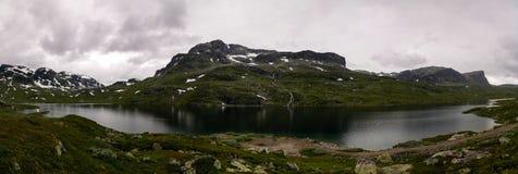 Πανοραμική άποψη στο οροπέδιο Hardangervidda και τη λίμνη Votna στη Νορβηγία Στοκ Εικόνα