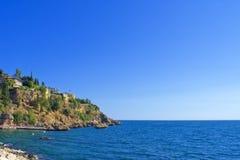 Πανοραμική άποψη σχετικά με την παλαιά πόλη Kaleici και τη Μεσόγειο από το πάρκο antalya Τουρκία Στοκ εικόνες με δικαίωμα ελεύθερης χρήσης