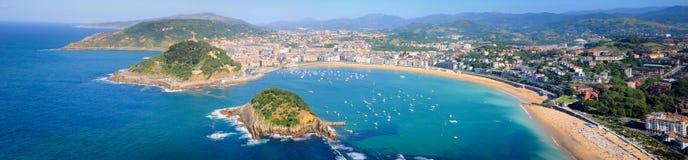Πανοραμική άποψη σχετικά με τον κόλπο του San Sebastian στοκ εικόνα με δικαίωμα ελεύθερης χρήσης