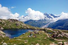 Πανοραμική άποψη σχετικά με τον ορεινό όγκο της Mont Blanc Στοκ Φωτογραφίες