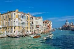 Πανοραμική άποψη σχετικά με το μεγάλο κανάλι στη Βενετία, Ιταλία Στοκ Εικόνα