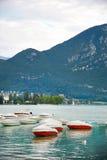 Πανοραμική άποψη της λίμνης Annecy στη Γαλλία Στοκ φωτογραφία με δικαίωμα ελεύθερης χρήσης