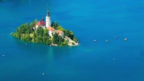 Πανοραμική άποψη της αιμορραγημένης λίμνης, Σλοβενία απόθεμα βίντεο