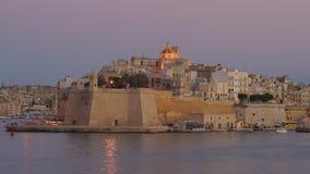 Πανοραμική άποψη της ακτής πόλεων Senglea με το παλαιό οχυρό στη Μάλτα σε 4k απόθεμα βίντεο